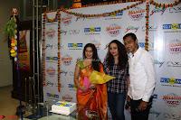 Marath Actrss Urmila Kanitkar Celetes Gudi Padwa in Orange Saree 13.JPG