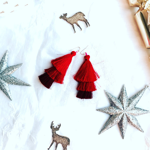 lotd, christmas gift guide, stocking filler ideas, what to buy for her, beauty blogger, beauty must haves, what to get for christmas, affordable christmas gifts