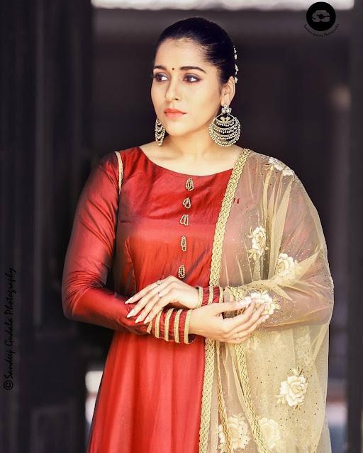 Rashmi gautam latest photos in extra Jabardasth tv show