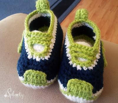 szydełkowe buciki dla chłopca