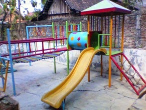 playground luar set