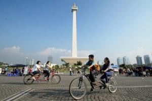 Wisata Monumen Nasional ( Monas ) Jakarta