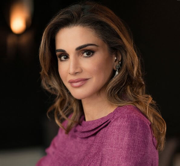 A new official portrait of Queen Rania of Jordan was released. Queen Rania updated her social media accounts by sharing her new photo