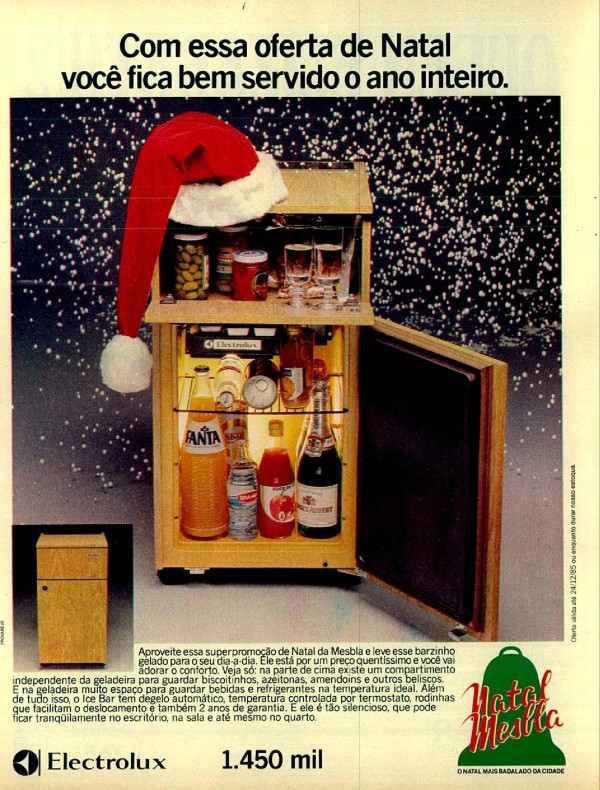Propaganda da Eletrolux para o Natal de 1985: frigobar com compartimento para petiscos