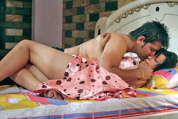 pujana-pradhan-bed-scene