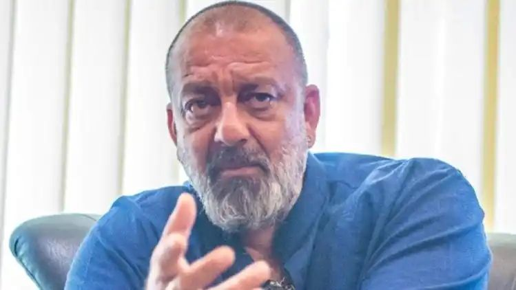 Bollywood actor Sanjay Dutt admitted to hospital