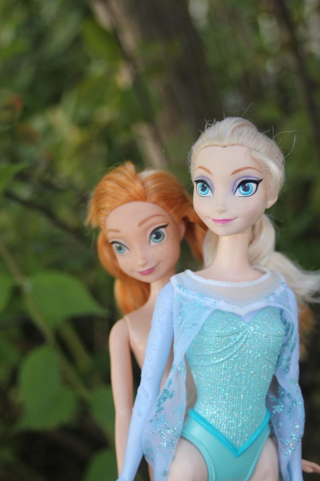 5cf4f2f4bc PLANET OF THE DOLLS  Doll-A-Day 2017  152 Disney Girls Anna