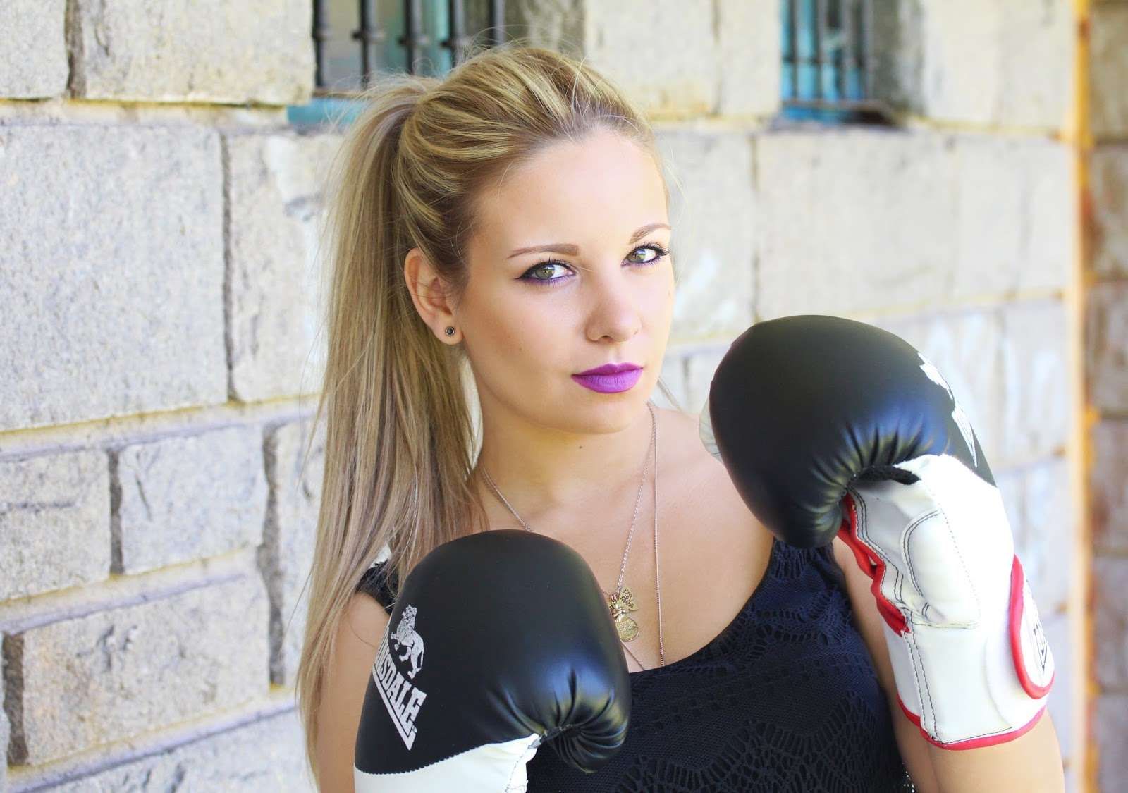 Andrea rosychicc boxing