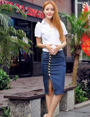 Faldas y Blusas Cortas