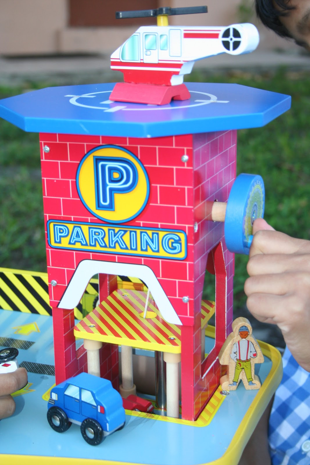 Kidkraft Deluxe Garage Toy Car Garage Review Frugality