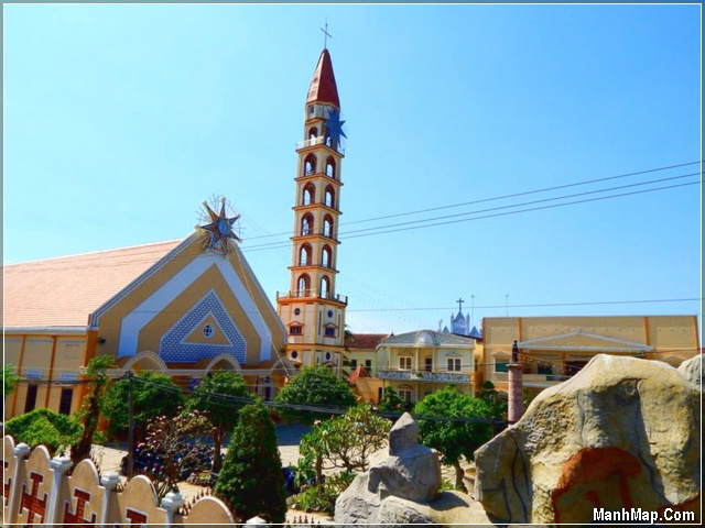 Nhà thờ Cái Mơn (Chợ Lách, Bến Tre)