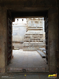 Main entrance of wooden doors to Lepakshi Veerabhadra Swamy Temple Complex in Andhra Pradesh, India