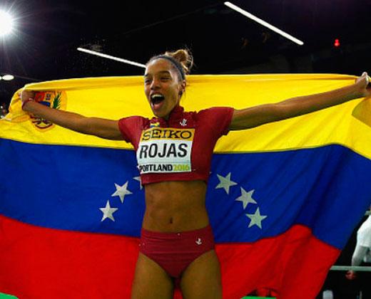 A Yulimar no le quedó otra opción que enviar saludos a Maduro (+Video)