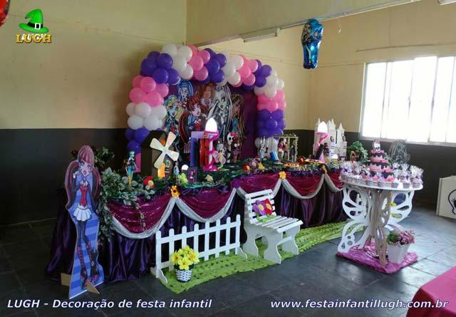 Decoração festa de aniversário Monster High Tradicional Super Luxo - mesa temática infantil forrada de toalhas de tecido (pano)