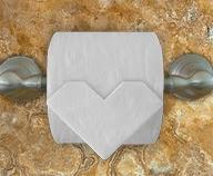 """Оригами """" Сердце"""" из туалетной бумаги"""