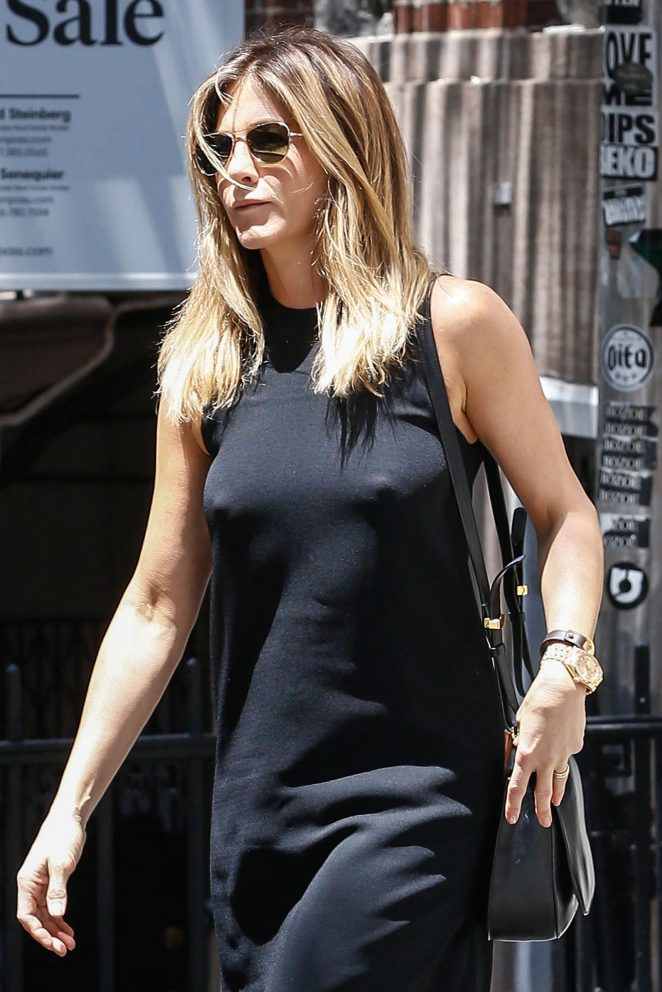 Jennifer Aniston steps out braless in NYC