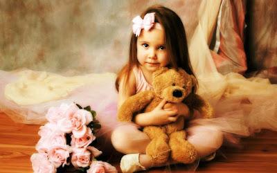 oyuncak ayı günlük sevimli-kız-whatsupimages-Pics