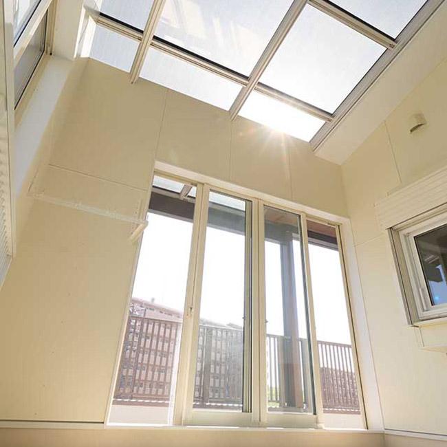 Tinuku Taiyo Kogyo installed sunroom using solar panels
