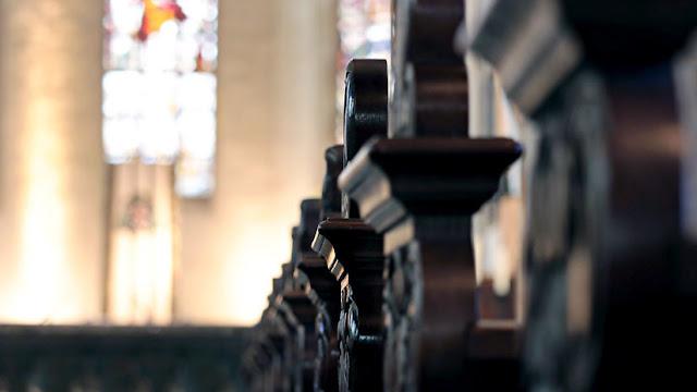 Sacerdote intenta salvar el dinero recaudado en una iglesia y muere ahogado