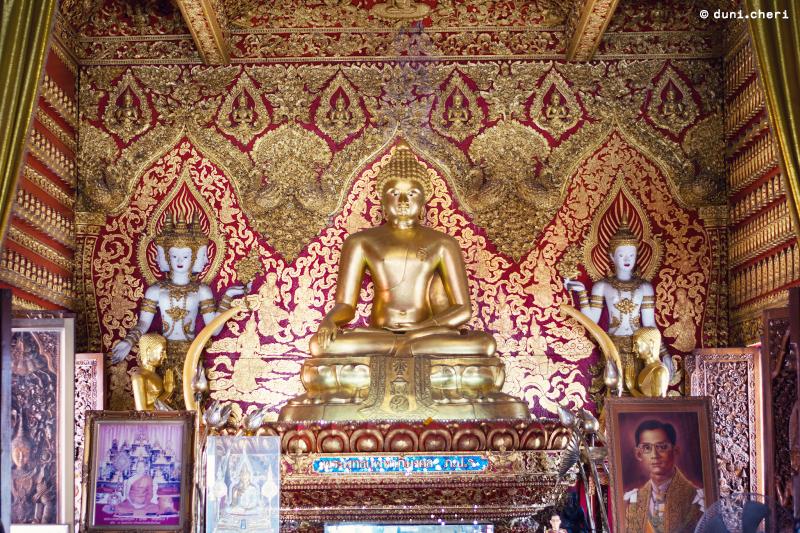 chiang mai thailand tempel buddha gold