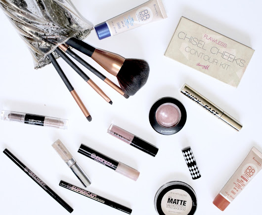 What's Really In My Make-up Bag //