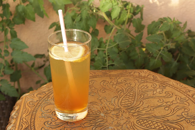 Gin Tonic mit selbstgemachtem Tonic Water http://kuechenliebelei.blogspot.com/2017/06/gin-tonic-mit-selbstgemachtem-tonic.html