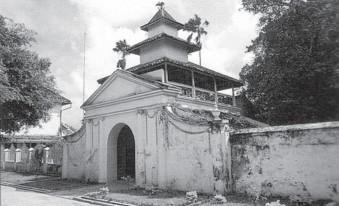 Akulturasi Budaya Tradisi Lokal Hindu Buddha Dan Islam Di Indonesia