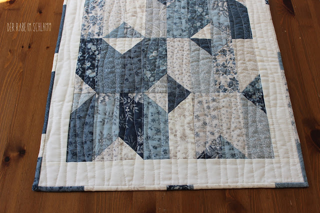 Der Rabe im Schlamm, Waterford Tablerunner, Jelly Roll, Quilt, Snowberry, showmethemoda
