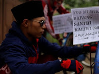 Kisah Tiga Santri Mudik dari Kendal Naik Sepeda Onthel Ratusan Kilometer ke Cirebon