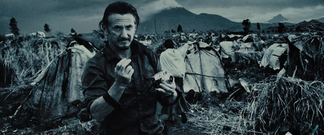 Sean Penn caracterizado como el intrépido fotógrafo de la revista LIFE