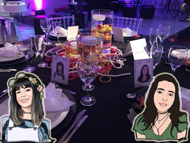 Mesa com os retratos das aniversariantes - 15 anos personalizado