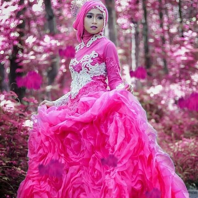 Model gaun pengantin muslimah simple tapi elegan Terbaru