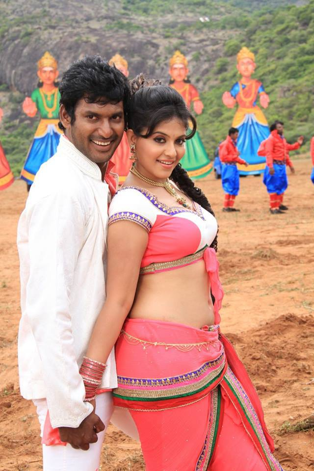 Anjali hot photos from Madha Gaja Raja movie, Anjali hot navel photos, Anjali sexy photos