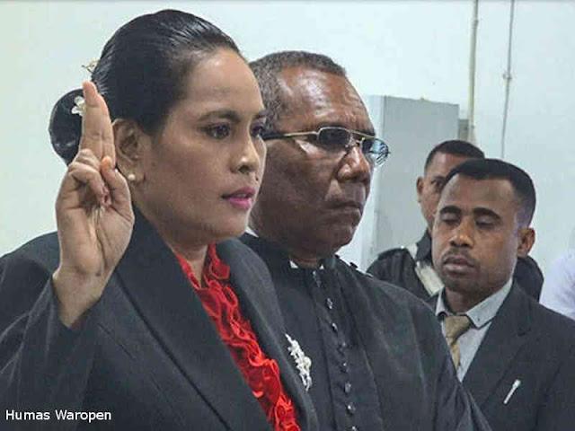 Yenike Dipan Jadi Anggota DPRD Waropen, Gantikkan Yakop Koibai