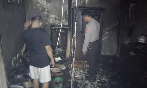 Akibat Konsleting Kulkas, Satu Rumah Dilalap Jago Merah