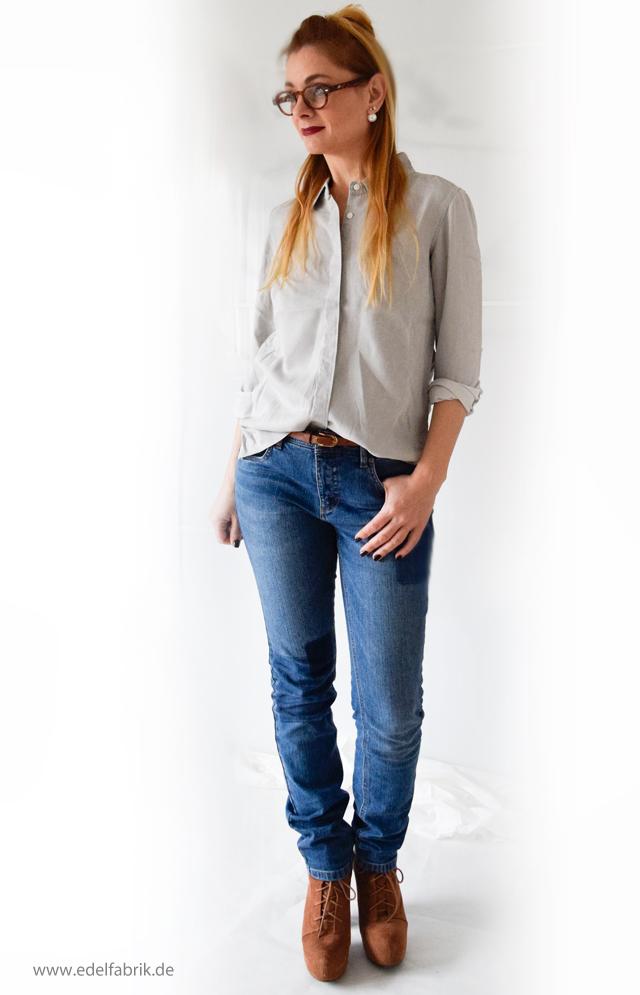 Jeans und graue Jeansbluse aus der Helene Fischer Kollektion von Tchibo, die Edelfabrik