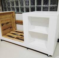 Mueble para cocina hecho con palets de madera reciclados