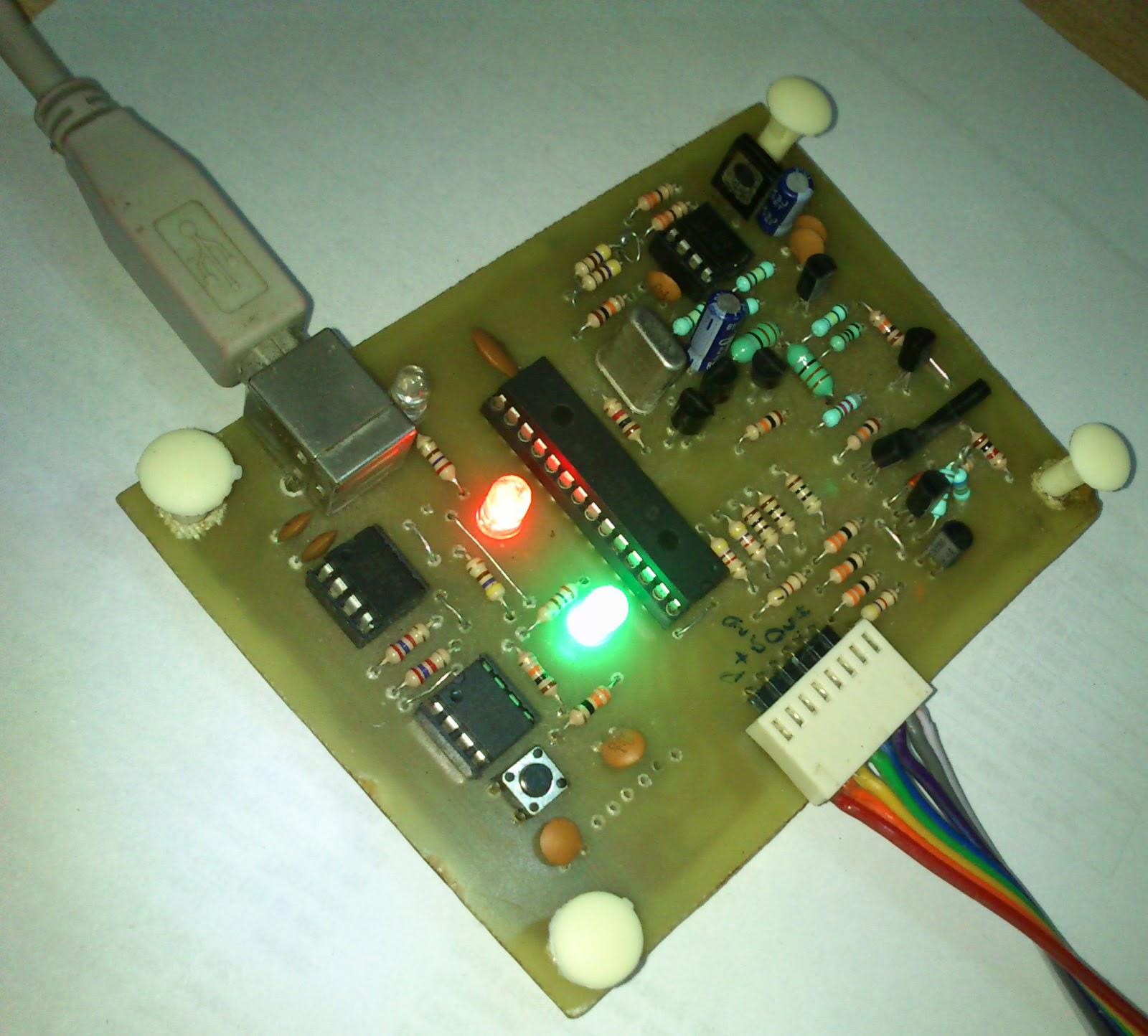 Embedded Engineering Pickit 2 Clone The Universal Microchip Pic Figure 1 Pic18f452 Led Blinking Circuit Programmer Debugger