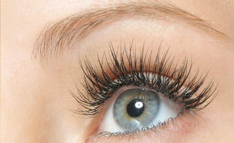 Natural Oils Can Give You Longer, Thicker Lashes