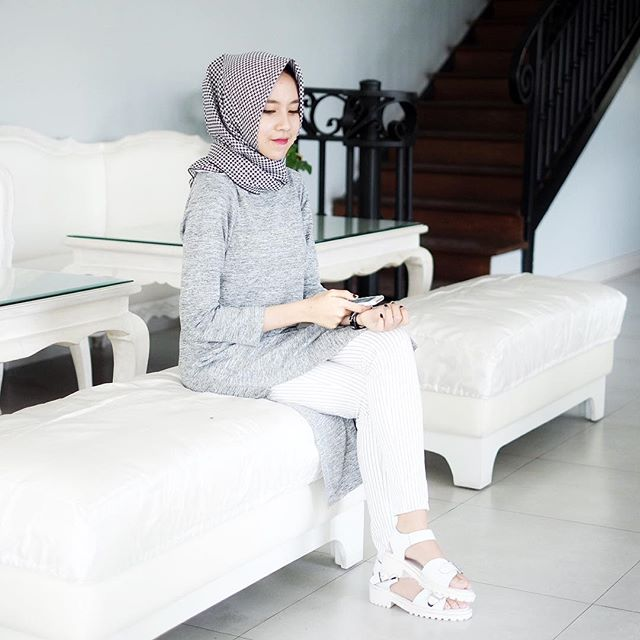 Tips Cerdas Berbusana Muslimah Sesuai Perkembangan Mode