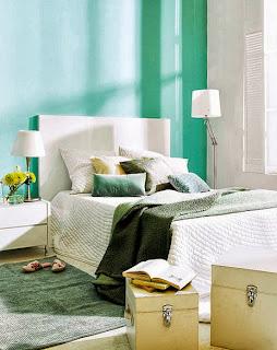 Habitación en turquesa y blanco