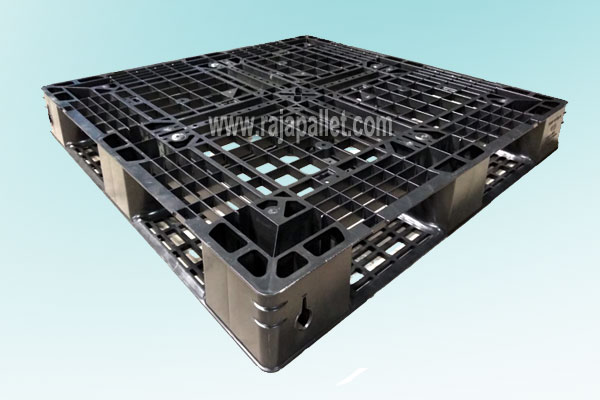 Jual Pallet Plastik Ringan Kokoh Untuk Ekspor Ukuran 110 x 110 x 12 cm