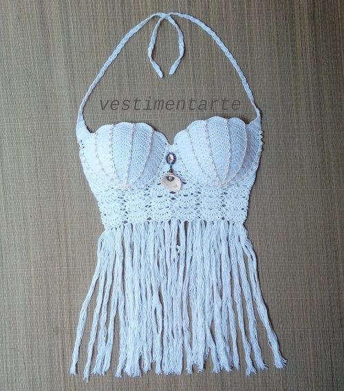 Cropped Crochê Sereia Pérolas Franja Vestimentarte Branco