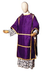 The Pontifical Dalmatic and Tunicle: A Brief History and Consideration