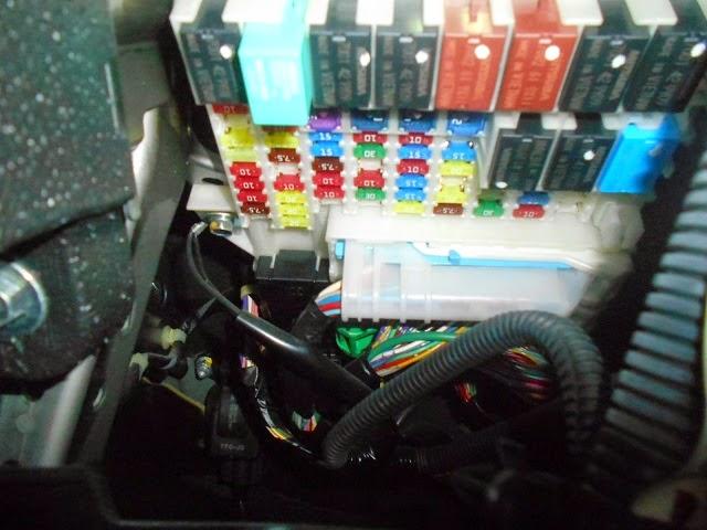 Foto foto wiring pemasangan foglamp honda freed gb3 2011g1ng2 saya gak ngerti elektrikal om saya coba bantu fotoin aja punya saya kebetulan dari awal udah minta dibonusin foglamp ama salesnya cheapraybanclubmaster Choice Image