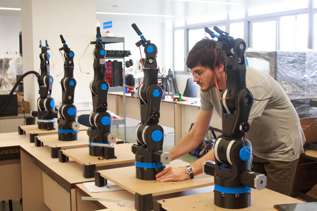 BCN3D MOVEO OPEN SOURCE 3D PRINTED ROBOTIC ARM | Article - Sat 10