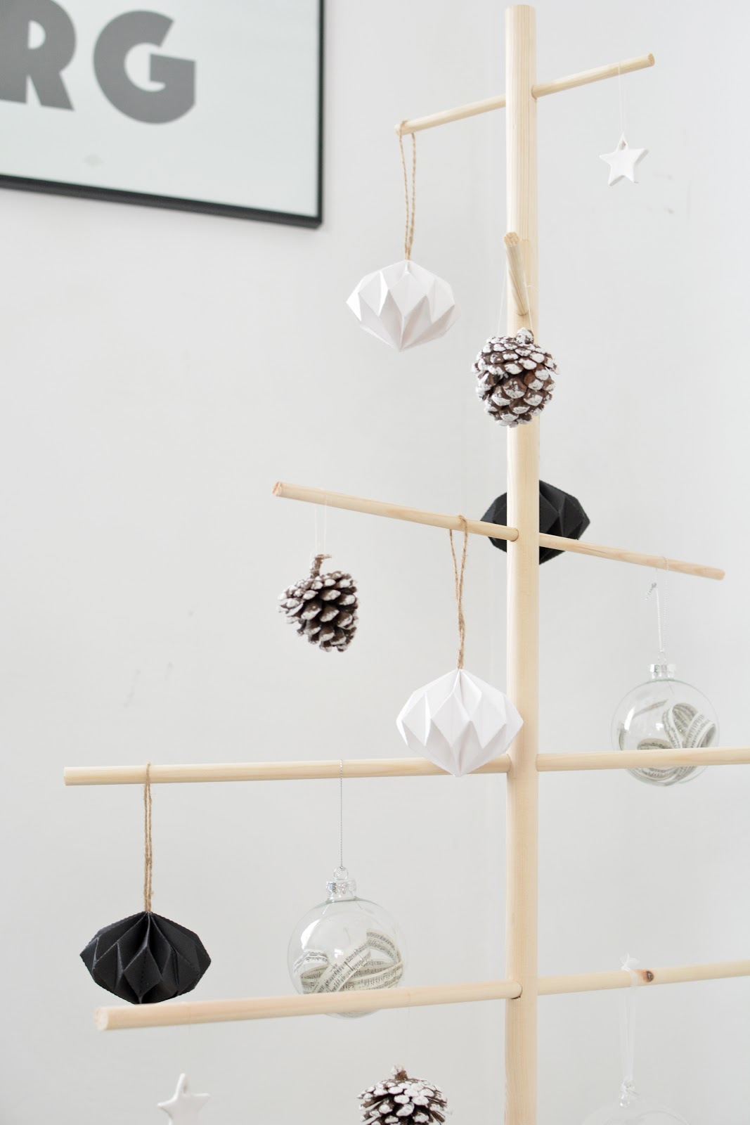 scandinavian christmas inspiration wooden dowel tree