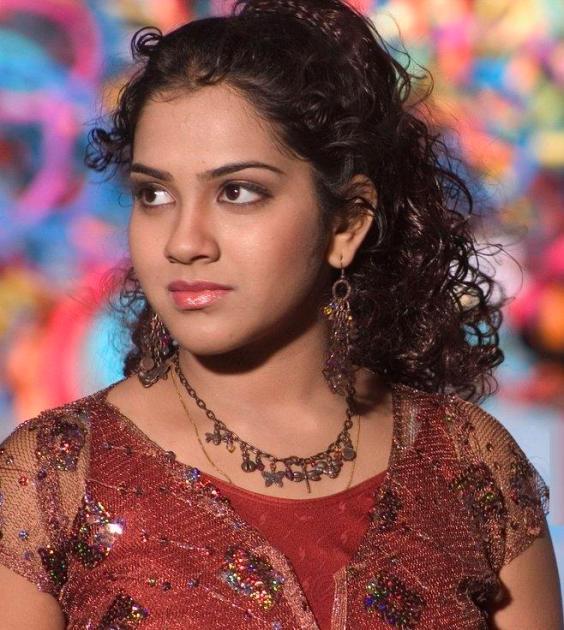100 Foto Bugil: Beautiful Artist India 2011: Telugu Actress Sandhya