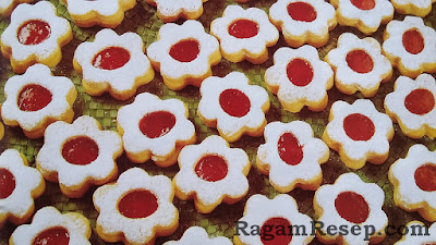 Resep Kue Kering Bunga Lapis Strawberry