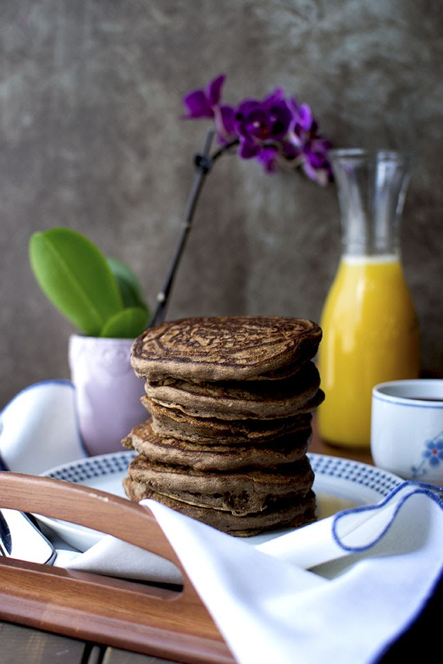 Vegan Banana Chocolate Pancakes